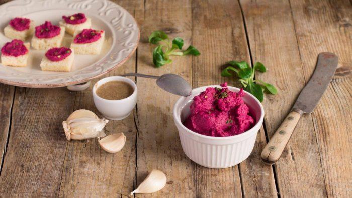 Hummus di barbabietole rosse