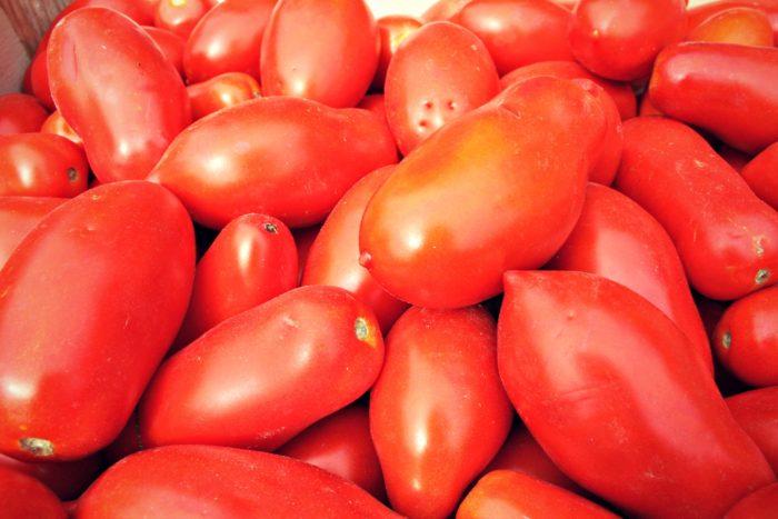 Pomodori da salsa a cassa