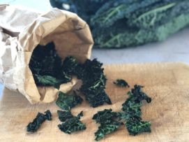 Chips di cavolo nero (kale chips)