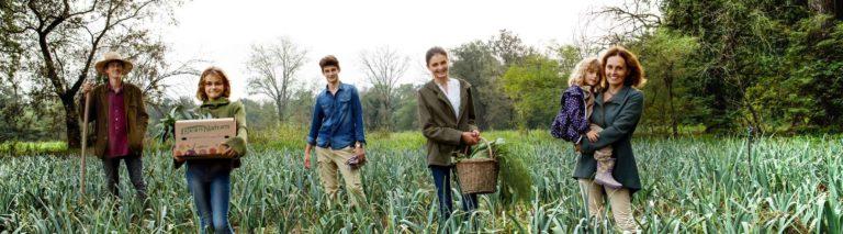 Scegliamo di lavorare con i migliori Contadini, Panettieri, e Allevatori Bio.